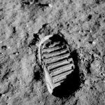 Fußabdrücke von Kindern unseres Vereins werden den Mond umkreisen